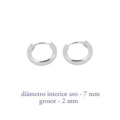 Un aro de plata para chico. Grosor 2,0mm, diámetro interior 6mm. AR107