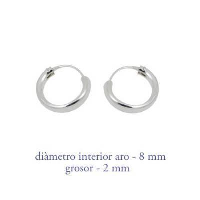 Un aro de plata para chica. Precio por unidad, grosor 2,0mm, diámetro interior 8mm. AR108