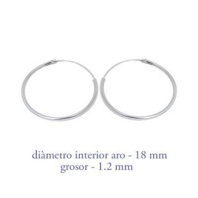 Un aro de plata para chica. Precio por unidad, grosor 1,2mm, diámetro interior 18mm. AR106