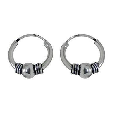 Un aro de plata labrado, 10mm diámetro para la oreja. Precio por un aro. ARX10