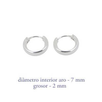 Boucles d'oreille en argent anneau homme, epaisseur 2 mm, diametre 6 mm. Prix par unite