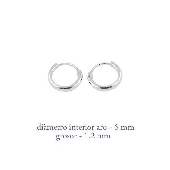 Un aro de plata para chica. Precio por unidad, grosor 1,2mm, diámetro interior 6mm. AR100