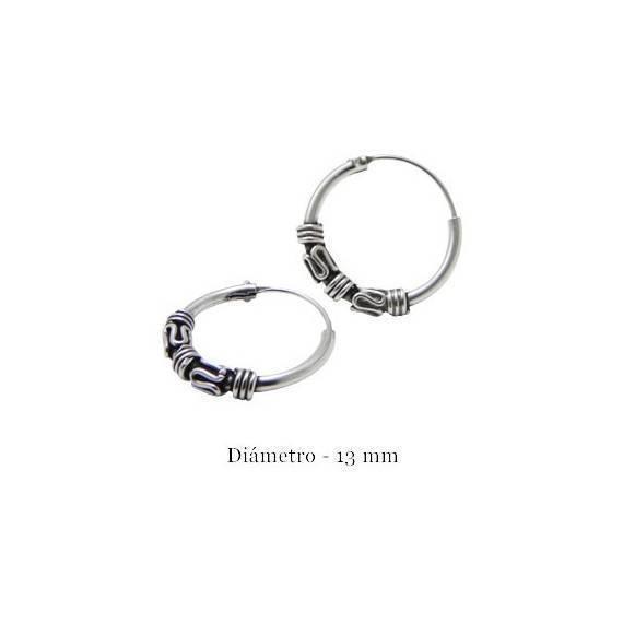 d8e700792518 Un aro de plata labrado, 13mm diámetro para la oreja. Precio por un aro.  ARX20 - DENI