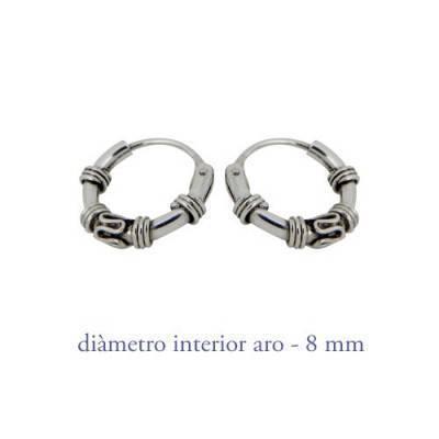 Boucles d'oreille en argent homme, anneau travaillé, diametre 8 mm. Prix par unite